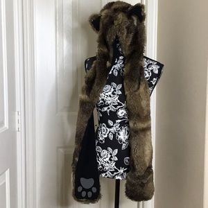 Unisex Bear Faux Fur Scarf with paw mitten